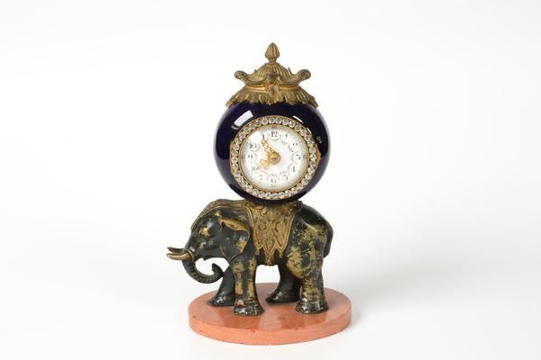 Pendule à l'éléphant